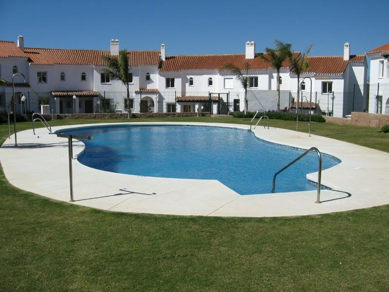918 - 3 bed townhouse, Jockey Villas, La Cala - Image 1 - Fuengirola - rentals
