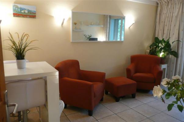 Lovely and Affordable Carnot 1 Bedroom Flat with a Balcony - Image 1 - Cannes - rentals