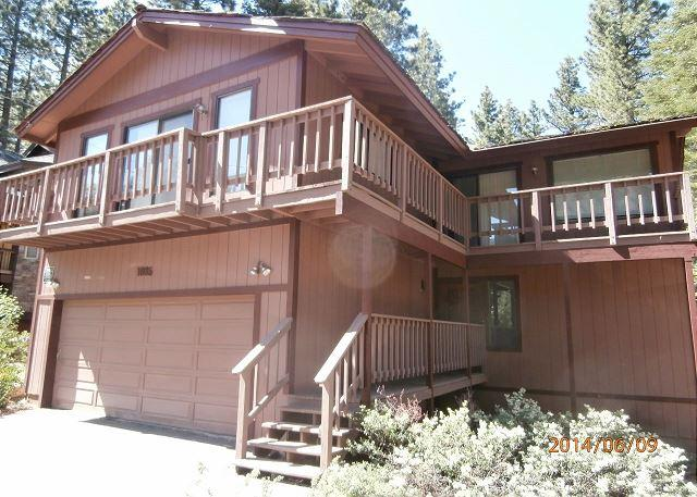Woodstove. Beautiful, modern home with den #420 - Image 1 - South Lake Tahoe - rentals