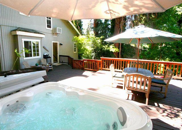 """Welcome to Inner Peace! - Romantic? Quiet? Peaceful? Yes! Yes! Yes! Welcome to """"Inner Peace""""! Hot Tub! - Guerneville - rentals"""