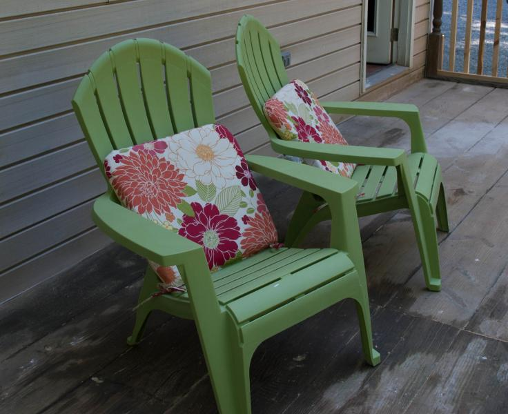 Chairs on the deck - Our Private Wooded Cabin - Moneta - rentals