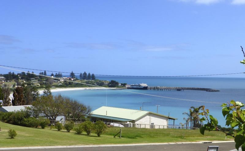 View overlooking the bay from Western's View deck - Western's View, Penneshaw, Kangaroo Island - Penneshaw - rentals