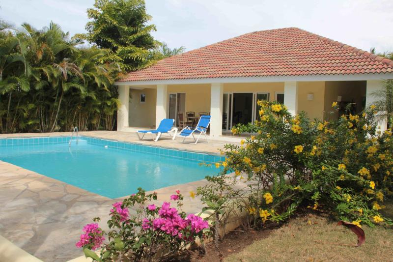 Overview of your luxury villa and pool - 3-bedroom luxury villa with pool in the center of Sosua - Sosua - rentals