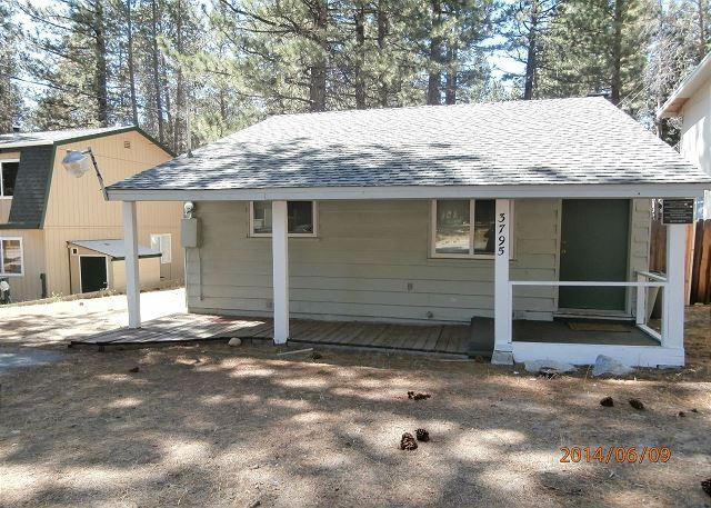 Front of house - Single story home NO STEPS with rock fireplace. #34 - South Lake Tahoe - rentals
