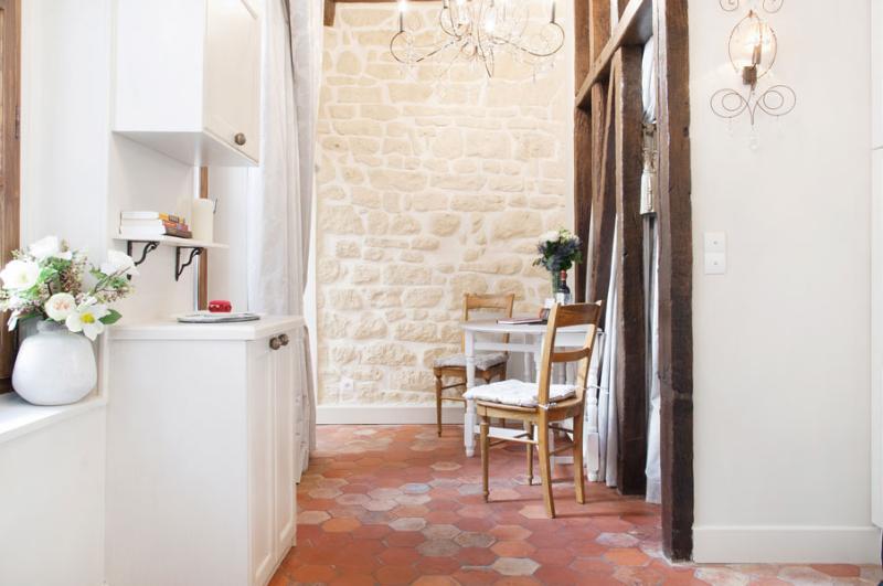 NotreDame /Luxe Central Island * FREE SEINE CRUISE - Image 1 - Paris - rentals