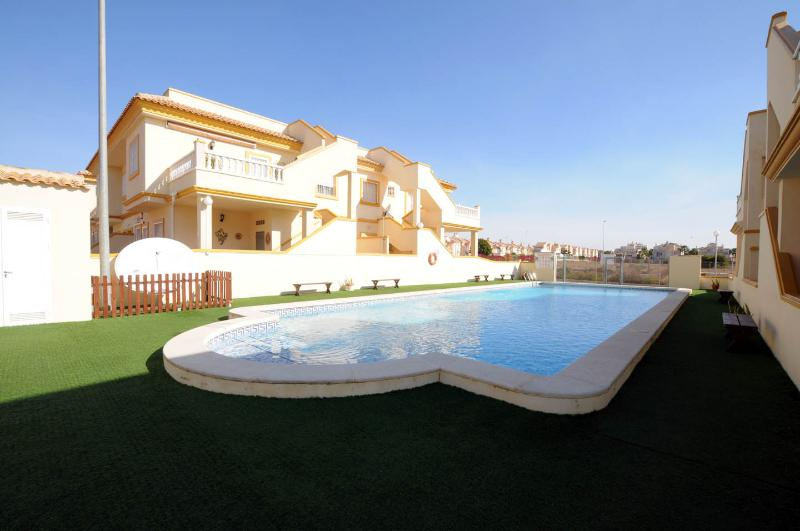 Apartment in Playa Flamenca - Image 1 - Torrevieja - rentals