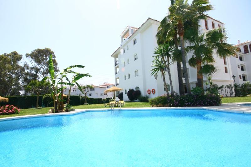 Calahonda Apartment - 900 - Image 1 - Sitio de Calahonda - rentals