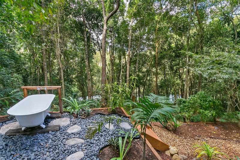 Your beautiful antique ouside river bath awaits, located on the platform by the river! - Wanggulay Too Treetops Affordable Luxury Cairns - Cairns - rentals