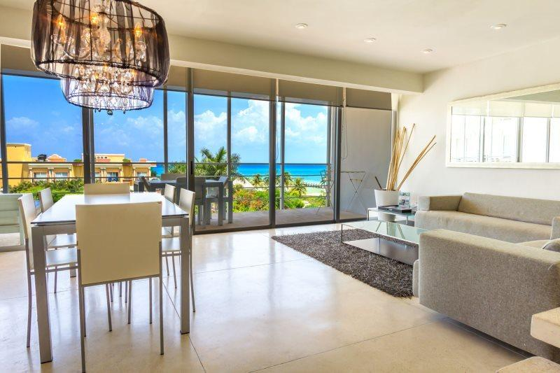 3 Bedroom Penthouse Unit with Ocean Views! - Image 1 - Playa del Carmen - rentals