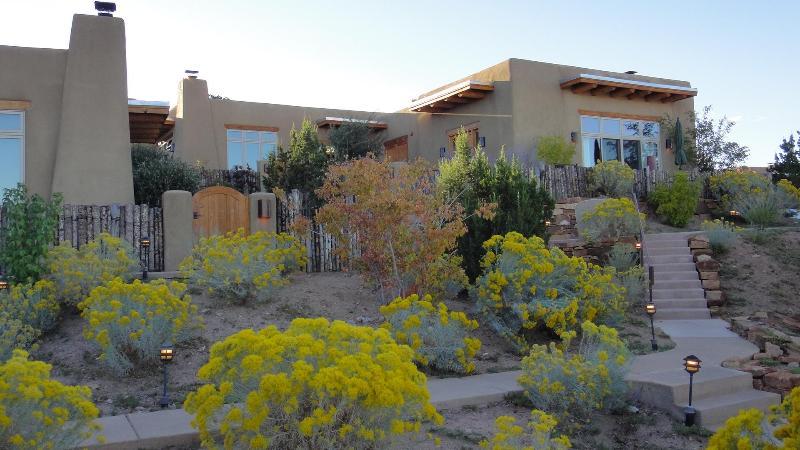 Front Facade - Villa Corazones at Bishop's Lodge Santa Fe - Luxury home amazing views - Santa Fe - rentals