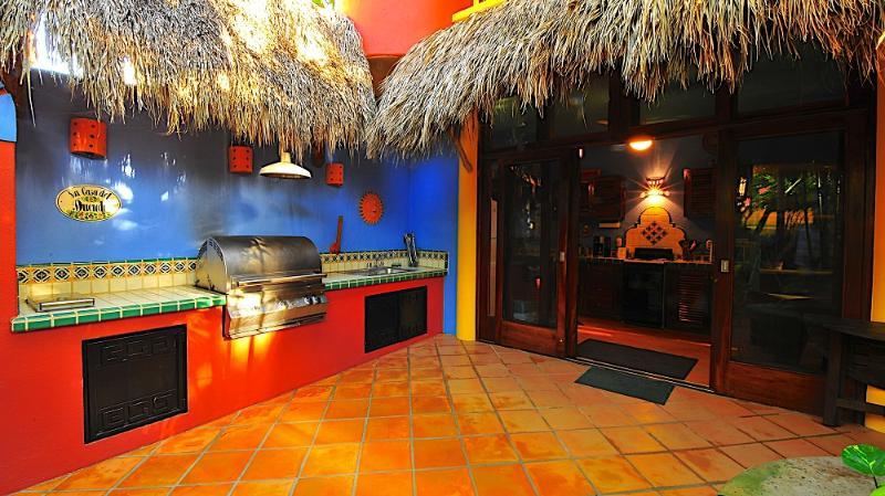Outdoor BBQ - Casa Duende - Short easy walk to town square/beach - Sayulita - rentals