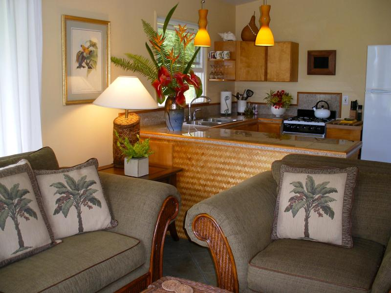 Welcome to the Bamboo Cottage! You'll find elegant, island décor throughout - Bamboo Cottage, Tropical Elegance - Pahoa - rentals