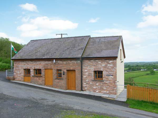 BWTHYN-Y-RHIW, detached cottage, countryside views, enclosed garden, near Llandeilo, Ref 913830 - Image 1 - Llandeilo - rentals