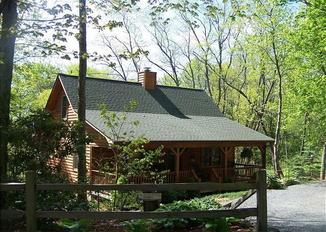 Whistle Stop is a perfect cabin in the woods, located on Appalachian Ski Mtn. - Image 1 - Blowing Rock - rentals