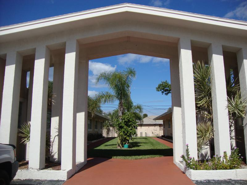 Breathtaking Studio- Walking distance to the beach - Image 1 - Cape Canaveral - rentals
