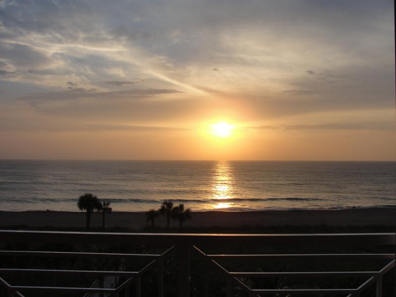 Sunrise - Dramatic Direct Ocean Front Condo - Fort Pierce - rentals