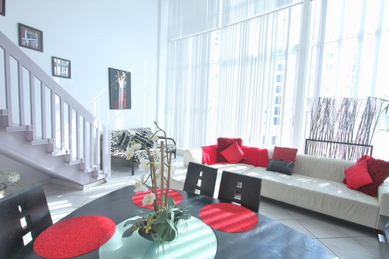 Living Dinning room - Cozy Loft 4 Ocean and Pool View - Miami Beach - rentals