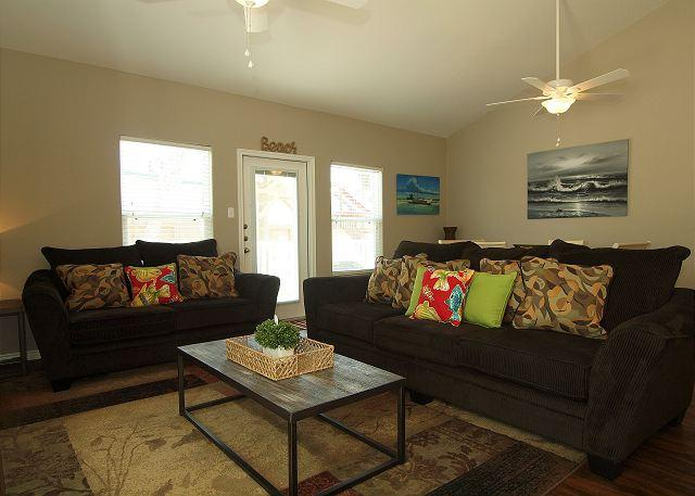 Beautiful Poolside property that's ready for Spring & Summer Guests! - Image 1 - Corpus Christi - rentals