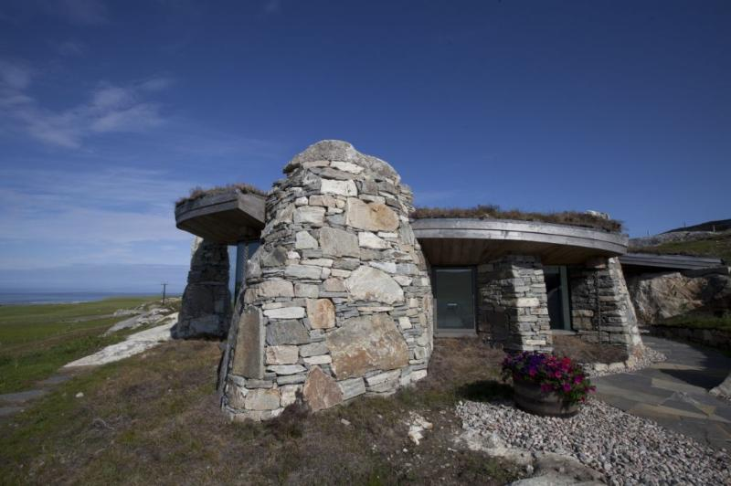 The Rock House has commanding views over the Sound of Taransay - The Rock House - Isle of Harris - rentals