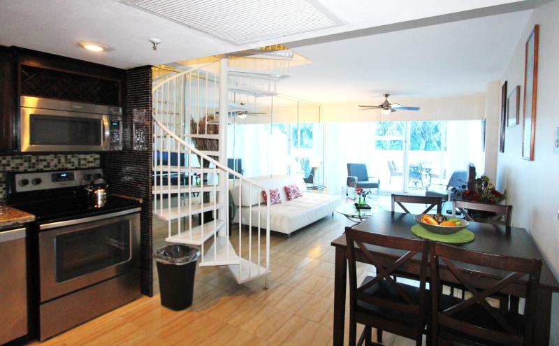 Beachfront Townhouse 4 - Image 1 - Miami Beach - rentals