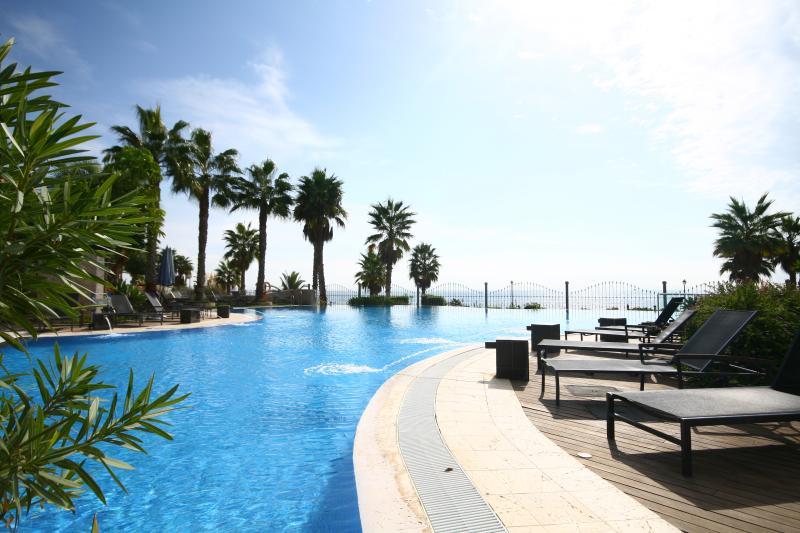 Mar Azul apartment - 585 - Image 1 - Estepona - rentals