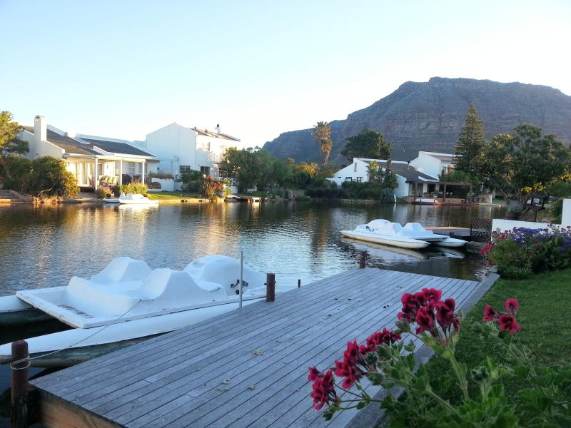 Perfect position to relax or explore Cape Town - Feed The Ducks, Fish, Relax On Your Doorstep - Muizenberg - rentals