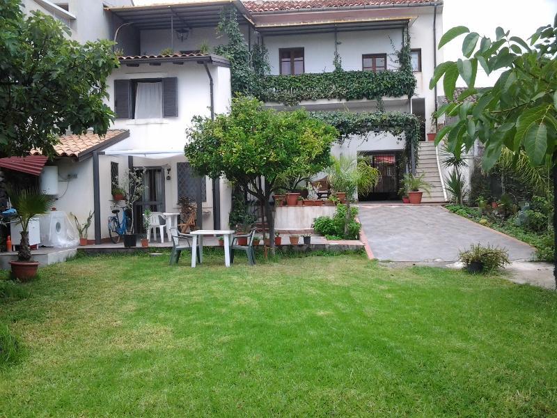 Casa Vacanze Mamma Etna - Image 1 - Pedara - rentals