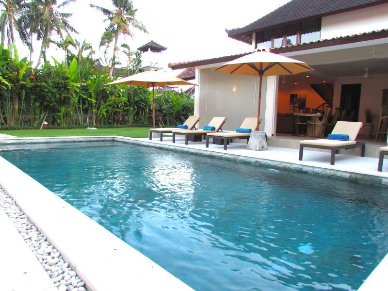 Villa & Pool Overview - Aisha II, 5 Bedroom Villa, Central Location, Seminyak - Seminyak - rentals