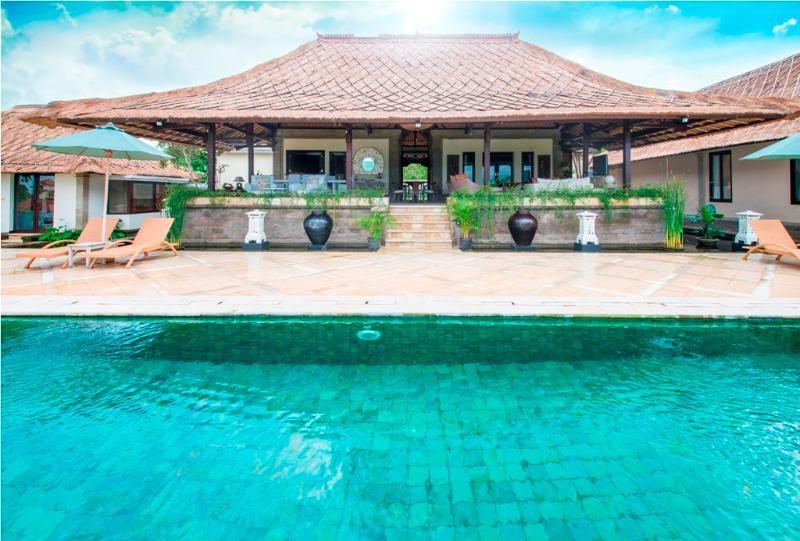 Puri Balangan, Magnificent 4 Bedroom Villa Ocean Views-Jimbaran - Image 1 - Jimbaran - rentals