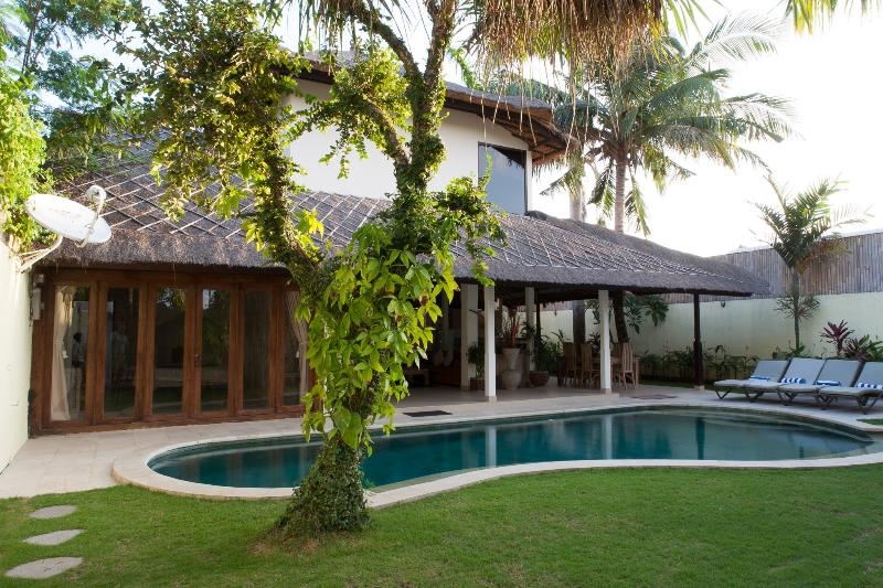 Villa & Pool overview - Simona, Luxury 3 Bedroom Villa, Central Seminyak - Seminyak - rentals