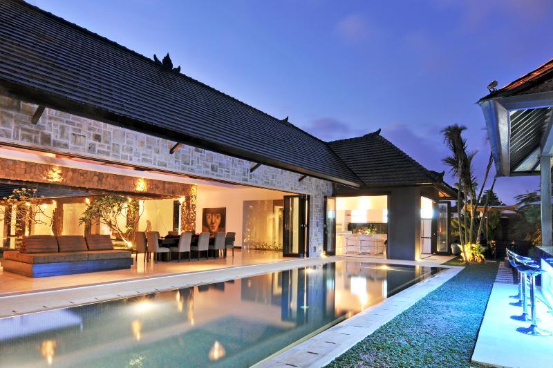 Villa & Pool overview - Samudra Raya villa, 4/5BR, Car+Driver,  Seminyak - Seminyak - rentals