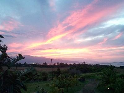 Amazing sunset on West Maui Mts. - Bed &Breakfast Vacation Rental Lodge In Maui - Makawao - rentals