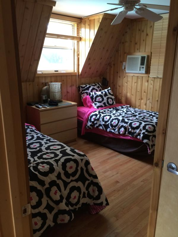 Twin Bedroom - Twin bedroom shared bath - Fire Island Pines - rentals