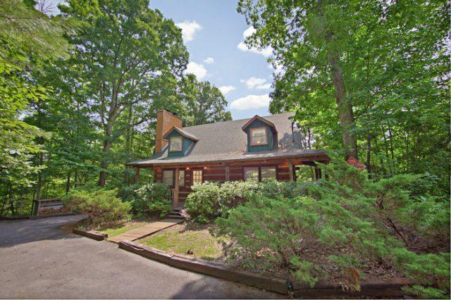 Featured Property Photo - Amazing Majestic Oaks - Pigeon Forge - rentals