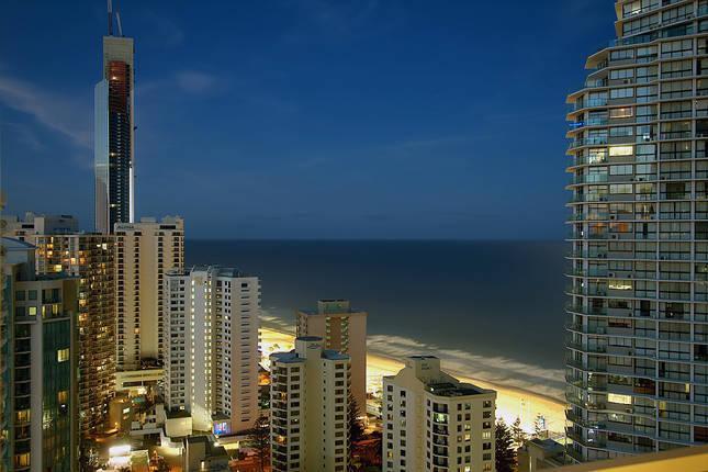 Q1, 3 Bedrooms, Ocean View, FREE Wifi, Car park. - Image 1 - Surfers Paradise - rentals