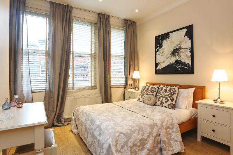 West End 2 Bedroom 1 Bath London Theater District  (3302) - Image 1 - London - rentals