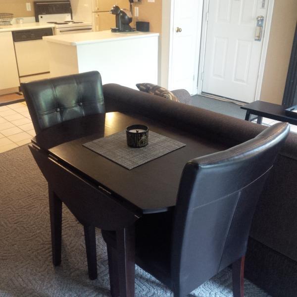 Drop leaf table, seats 4 - Mtn View Studio, sleeps 4 w/ Full Kitchen 490 sq ft - Collingwood - rentals