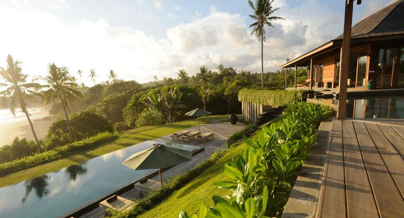 A unique luxury Bali villa only a wild beach - Bulung Daya Bali Beach Retreat, 33 Metres Pool - Tabanan - rentals