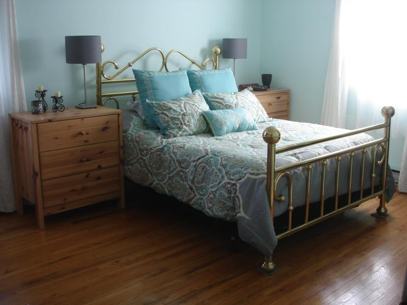 "Beautiful Bedroom ""the Sweet"" has new on-suite bathroom and Day Spa near Mohonk and Minnewaska - Serene Vista Spa B and B of the Hudson Valley 1 - New Paltz - rentals"