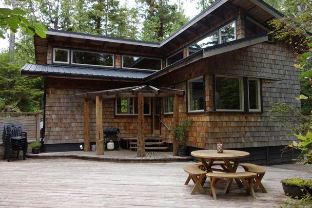 Timber Frame House Tucked in the Rainforest. - Tofino Tree House - Tofino - rentals