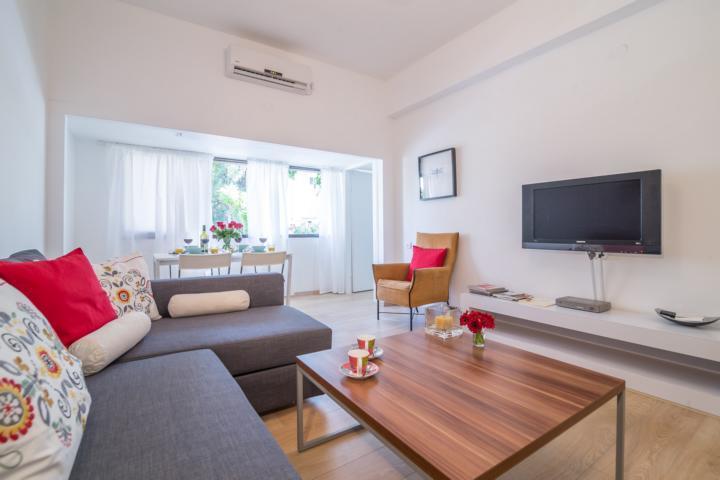 Living room - 3 Bd modern apartment Gordon / Frishman beach! - Tel Aviv - rentals