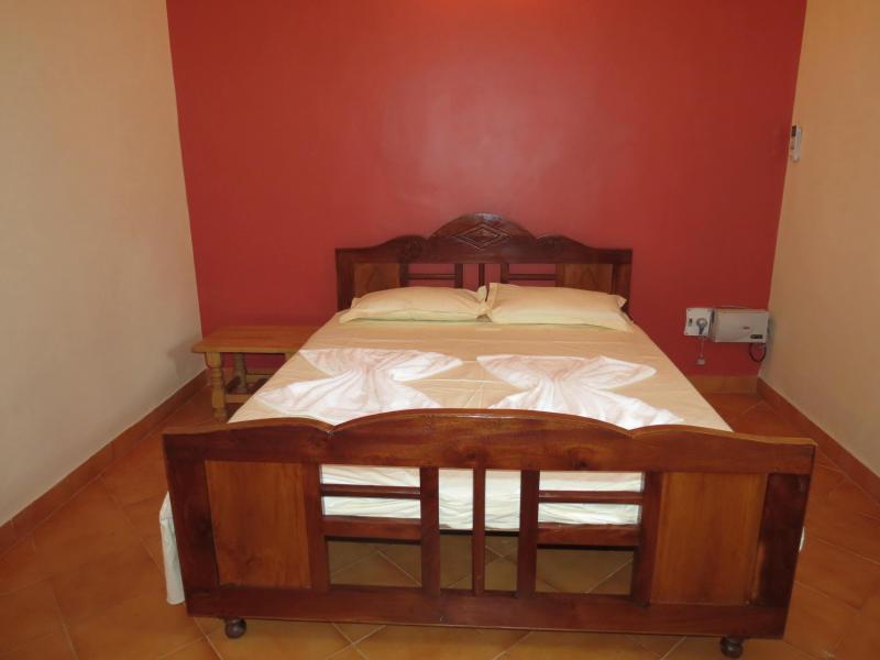 21) Refurbished Private Budget Apartment Calangute - Image 1 - Calangute - rentals