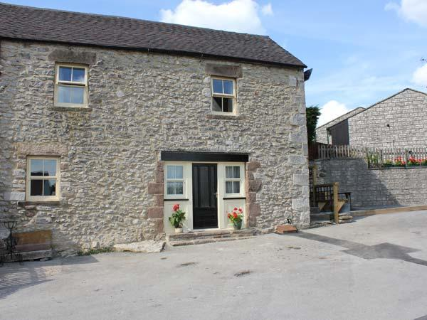 PICKLE COTTAGE, en-suite facilities, patio with furniture, great base for walking, Ref 12183 - Image 1 - Middleton - rentals