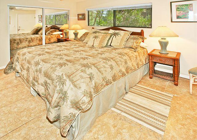 Bedroom - #204 - 1 Bedroom/2 Bath Ocean Front unit on Sugar Beach! - Kihei - rentals