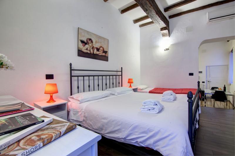 Vicolo Cellini - 2865 - Rome - Image 1 - Rome - rentals