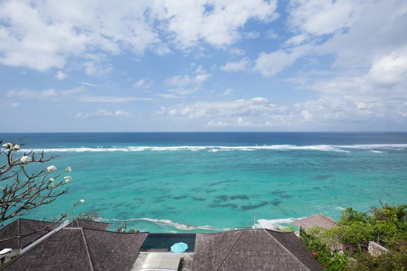 Amazing Beachfront Villa with Awesome Views - Image 1 - Nusa Dua - rentals