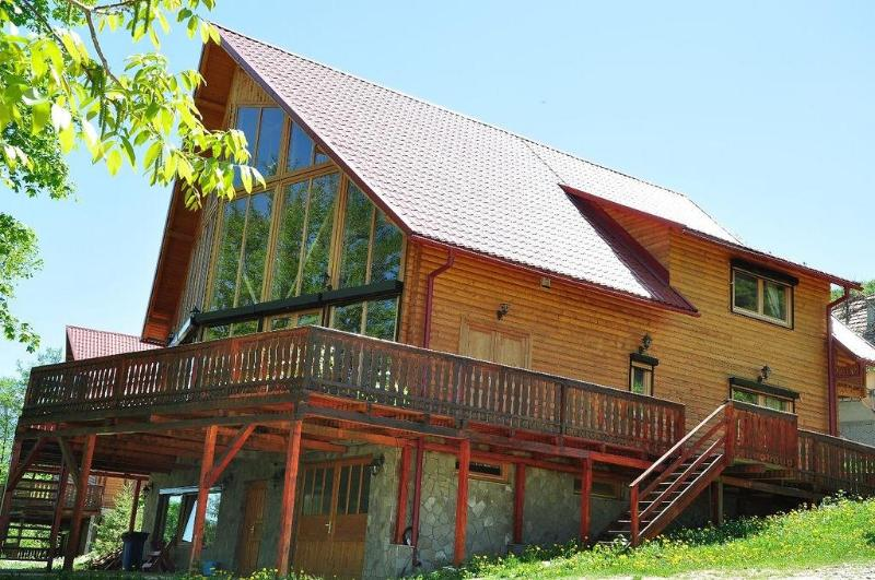 Front of the house - The Carpathian Log Home - Bran - rentals