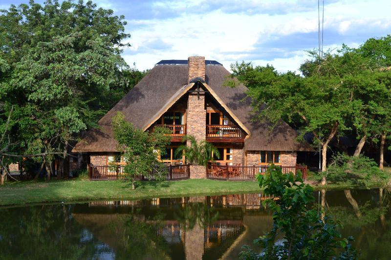 Kruger Park Lodge chalet 234 overlooking dam - Kruger Park Lodge-Golf Safari SA - Hazyview - rentals