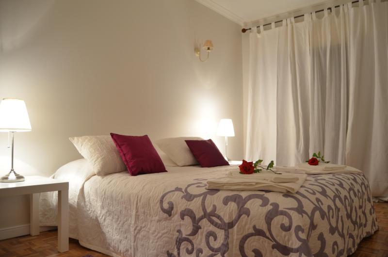 2BD Giselle flat central Cascais location - Image 1 - Cascais - rentals