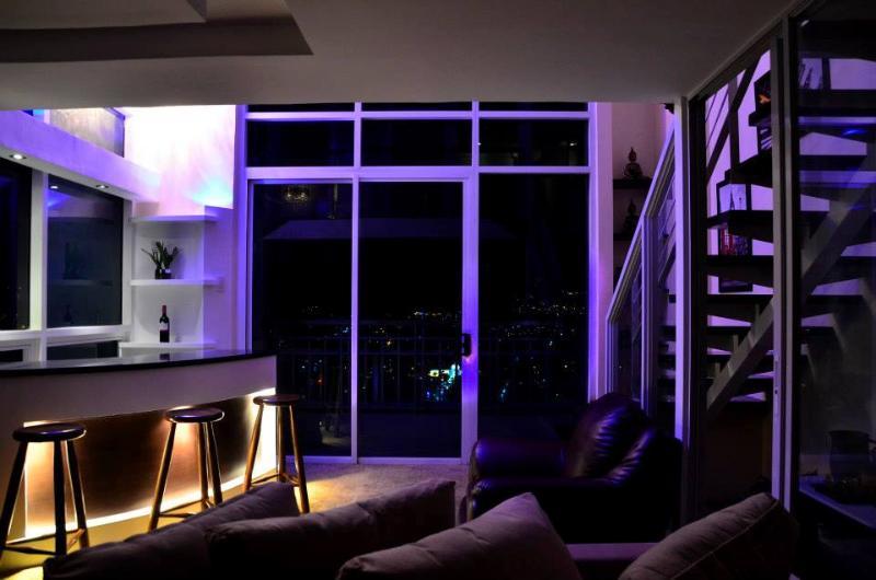 Bar Area - Luxurious Pent house Unit in Cebu ! - Cebu City - rentals